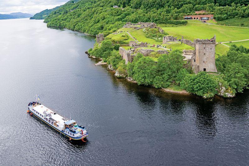 Scottish Highlander - Cruising on Loch Next, Past Urquhart Castle (HR)