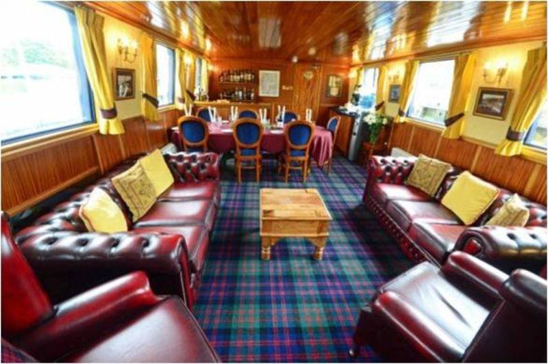 European Waterways Scottish Highlander - Tartan furnishing
